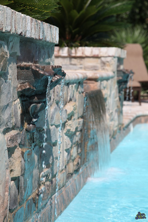 Along with raised and attached Spas, we can create brilliant water features such as waterfalls and copper scuppers. These features go a long way to add small details and elevate your overall design. What's more relaxing than listening to the soft trickle of water while floating pool side?