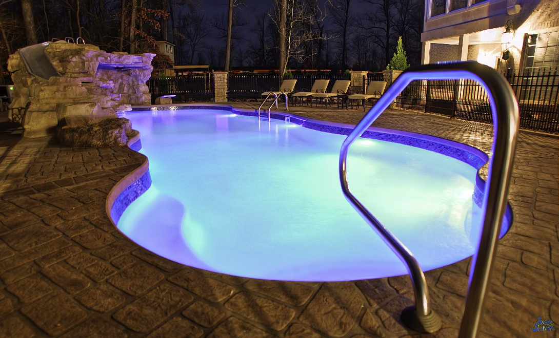 We'll give you one last glimpse at the fantastic and now famous Taj Mahal Deep End pool! We absolutely love this swimming pool and are sure that you will too! Give us a call today for a free estimate!