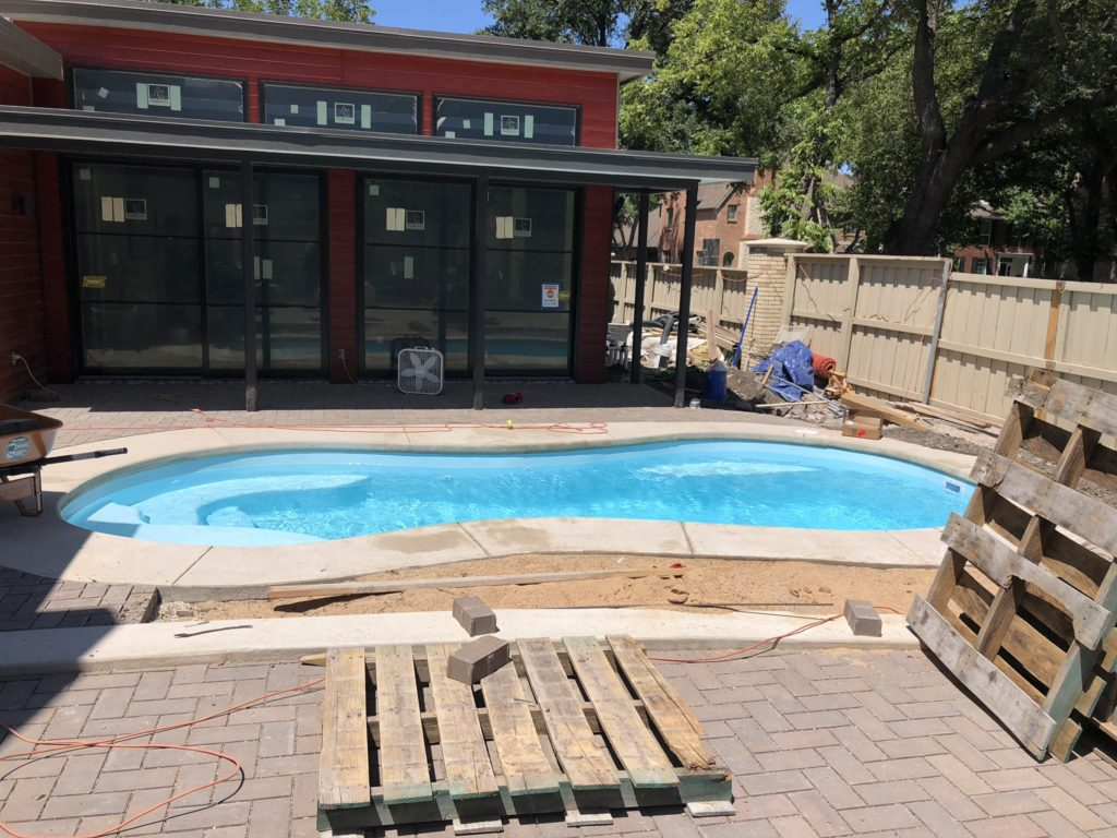 Here is another glimpse of our beautiful Sundial pool shell. It's amazing how crisp and clear this water is despite the dust and debris of the job site. This is a great example of the quality of our construction and the condition of our pool when we want over the keys to our home owners.
