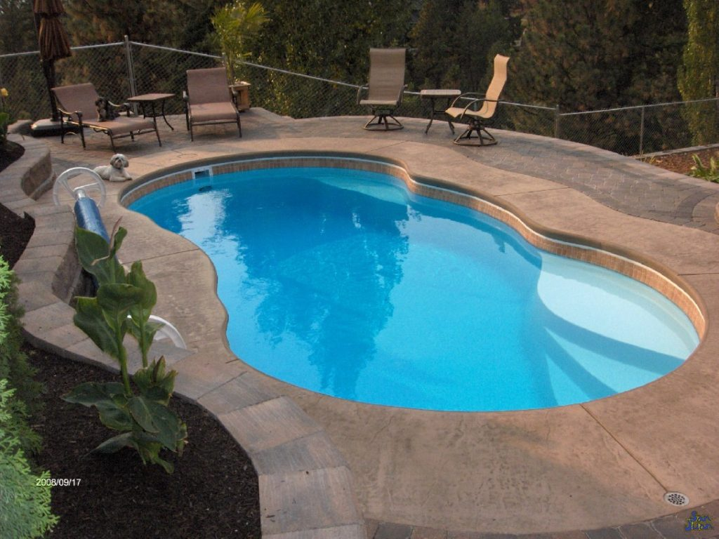 Fiberglass Pool Guyz Pool Shape The Lelani Is A Petite Free Form Pool Shape