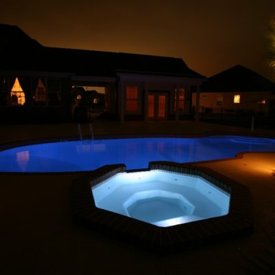 The Grande is a brilliant fiberglass spa with a classic, yet swanky design! This spa shapes is designed to hold up to 8 bathers and adds a unique shape to any backyard living space!